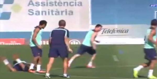 Lionel Messi y un amague que le rompió la cintura a Dani Alves