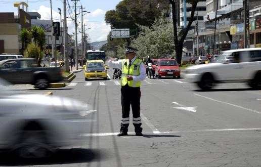 Como evitar sorpresas en las fotomultas en Quito