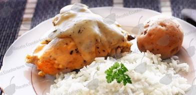 Pollo en Salsa Blanca (Receta y Preparación)